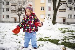 Olivia de las Nieves (GMH) Tags: winter snow cold hiver nieve nia jugar invierno neige toulouse fro froid jugando rangueil ltytr2 ltytr1