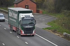 Eddie Stobart 'Chloe Ruby' (stavioni) Tags: truck reading volvo chloe lorry eddie trailer ruby fh m4 esl stobart fh4 h4349 kx65ozm