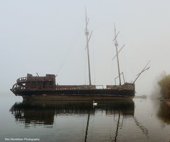 pirateship in fog (Rex Montalban Photography) Tags: fog swan niagara pirateship jordanstation rexmontalbanphotography