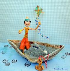 Amir, paper sailor! (* Cláudia Helena * brincadeira de papel *) Tags: ocean sea brazil baby love brasil cores children boat mar barco child play amor amir bebê criança sailor cor pipa papagaio brincadeira papermache barquinho marinheiro papiermachè papelmachê cláudiahelena