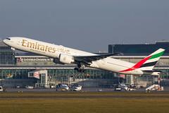 Boeing 777-300ER | Emirates (RSgraphy) Tags: airplane airport aircraft aviation emirates warsaw chopin ek boeing 777 spotting waw warszawa okcie b777 spotter lotnisko epwa 777300er lotnictwo avgeek flyemirates b77w avporn flywaw