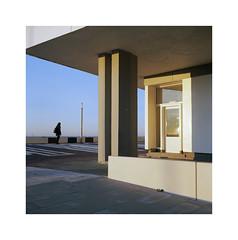 ** (ha*voc) Tags: yashicamat124g 80mmf35 tlr film 120 mediumformat 6x6 square kodakektar100 urban zandvoort urbanfragments