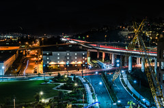 mariposa metropolis (pbo31) Tags: sanfrancisco bayarea night color missionbay january 2017 winter boury pbo31 dark black lightstream traffic over 280 highway ramp exit park ucsf medicalcenter construction dogpatch view infinity crane