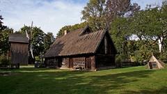 DSC07161-Ethnographic Skansen in Torun (dreptacz) Tags: skansen zabytek architektura budowle polska toruń krajobraz slt sony lustrzanka trawa niebo zielony niebieski