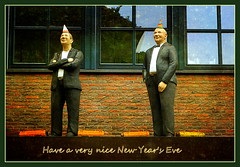 Een fijne jaarwisseling / Einen guten Rutsch ins neue Jahr (joeke pieters) Tags: 1280935 panasonicdmcfz150 alltagsmenschen rees christellechner betonfiguren concretefigures whimsical oudejaarsavond newyearseve silvester