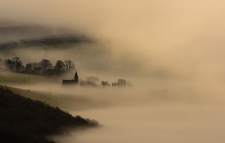 Kinfauns Church through the fog