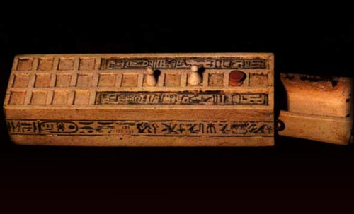 "Senet - Lujoso sistema de objetos lúdicos obsequio del dios Toht a la faraona Nefertari • <a style=""font-size:0.8em;"" href=""http://www.flickr.com/photos/30735181@N00/32481167356/"" target=""_blank"">View on Flickr</a>"