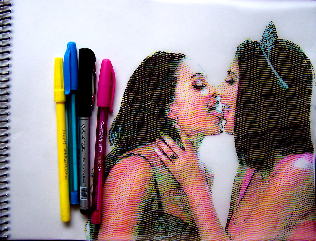 Ash Hollywood Lesbian Kissing
