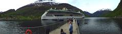 Amarra el fiordo. (ricardobonet-godó) Tags: paisaje serenadeoftheseas fjord fiordo norway noruega geiranger geirangerfjord