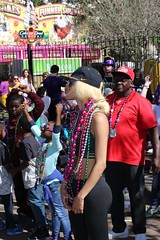 IMGL6079 (komissarov_a) Tags: neworleans louisiana usa faces 2017 mardigras weekend parade iris tucks endymion okeanos midcity krewe bacchus nola joy celebration fun religion christianiy february canon 5d m3 komissarova streetphotography color rgb police crowd incident girls gentlemen schools band kids boats float neclaces souvenirs ledders drunk party dances costumes masks events seafood stcharles festival music cheerleaders attractions tourists celebrities festive carnival alcohol throws dublons beads jazz hospitality collectors cups toys inexpensive route doubloons wooden aluminum super