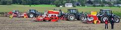 Valtra und Pttinger (D.STEGEMANN) Tags: traktor bauer acker agrar sauerland egge trecker schlepper landwirt pflug grupper valtra landmaschine landtechnik ackerland pttinger agrartechnik smaschine drillmaschine bodenberabeitung