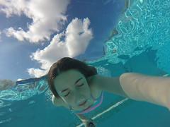 GOPR8192 (Mercedesdiaz) Tags: water girl sport swimming outside kid agua underwater bajo piscina nia swimmingpool nadar deporte pileta natacion swimm airelibre submarino bajoelagua