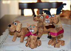 L'hobby di mia moglie (Maulamb) Tags: animali tappi sughero