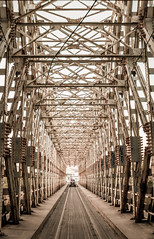 Going home (Gyorgy Petrilla) Tags: old bridge field screw dof distance parallel sziget depth paralel hajógyári