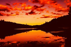 A colorful sunset at Bass lake in Blowing Rock, North Carolina. (bimmer1778) Tags: sunset nature natural naturaleza colorful colorsoftheday northcarolina colores color photograpy photo trees lake clouds cloudy sky afternoon lago mountains ocaso