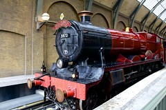 Hogwarts Express (Read2me) Tags: train red station she cye thechallengefactorywinner transportation pregamewinner perpetualchallengewinner agcgwinner gamewinner game friendlychallenges