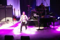 P8290117B (The Real Maverick) Tags: niagarafalls concert fallsviewcasino paulrodgers badco avalonballroom olympusstylus1