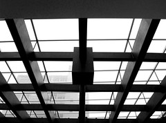 structures | estructuras | strutture (Raul Jaso) Tags: blackandwhite bw byn blancoynegro blackwhite biancoenero dmcfh8 panasonicdmcfh8 rauljaso rauljasofotografia rauljasophotography