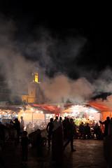 Midnight Atmosphere 6015 (Thorbard) Tags: street night dark crowd atmosphere morocco maroc medina streetphoto marketplace marrakesh streetfood crowds atmospheric jemaaelfnaa canonef40mmf28stm canon40mmpancake