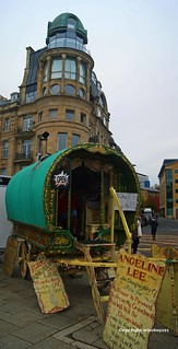 The fortune teller on the quayside