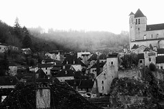 Saint-Cirq-Lapopie, France (TravellingMogwai) Tags: travel houses white house black france travelling saint river de french noir village lot villages valley plus midi mogwai blanc cahors pyrenees gregoire beaux cirq lapopie vallee sieuw gregoiresieuw travellingmogwai