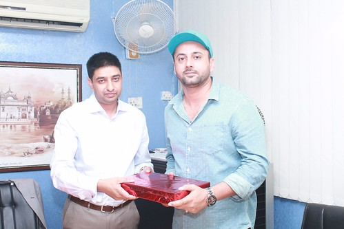 Bollywood actor Sonpreet Jawandha with MD of LinguaSoft Edutech Pvt. Ltd. at Chandigarh