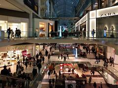 busy shoppers (Ian Muttoo) Tags: toronto ontario canada gimp eatoncentre torontoeatoncentre shiftn 20151218163449shiftnedit
