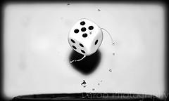 Dado - Dice (Daroo Photography) Tags: dice white black numbers water detail flash drop drops motion light creativity focus shadows splatter dado blanco negro números agua detalle gota gotas movimiento luz creatividad foco desenfoque sombras destello salpicadura daroo photography fotografia daroophotography nikon d5200 5200 flickr
