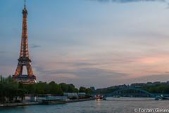 Paris_Tour-Eiffel_l´heure-bleu_25042007_5 (giesen.torsten) Tags: paris seine latoureiffel eiffelturm blauestunde nikon nikond200 tokinaaf1224mmf4