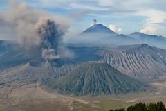 IMG_4052 (JoStof) Tags: indonesia java bromo volcano eruption ash smoke seaofsand semeru crater tengger caldera batok jawatimur indonesië idn