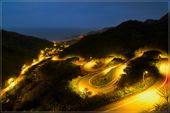 Jin Suei Highway 金水公路 (jos.pannekoek) Tags: taiwan new taipei lighttrails twillight tokina1116mmf28 tokinaaf1116mmf28 d500 nikon landscape landschap ruifang