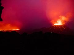 v101 (loïcabadie) Tags: eruption pitondelafournaise laréunion réunion volcan lave