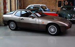 Porsche 924 turbo targa (1983) (Transaxle (alias Toprope)) Tags: auto berlin cars beautiful beauty car design amazing nikon power voiture turbo coche porsche soul motor 1983 bella autos powerful macchina coches styling 931 voitures s2 toprope targa 924 meilenwerk macchine motore d90 transaxle motorklassik bellamacchina classicremise type931