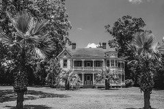 (itsbrandoyo) Tags: history abandoned rural back antique queenanne neglected victorian farmland historic oldhouse plantation roads backroads goosecreek derelict decayed pineville countrystore hollyhill theoaks eutawville heartofamerica orangeburgcounty berkeleycounty theoaksplantation