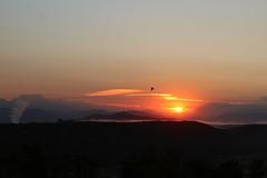 Amanecer (Mariluz Muñoz.) Tags: sunrise amanecer nature outdoor sky cielo paisaje naturaleza sol montaña canon salidadelsol