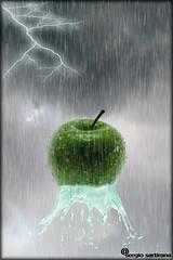 Senza titolo- 5 (celestino2011) Tags: 123rf manipulation pioggia mela fulmine nuvole acqua still life