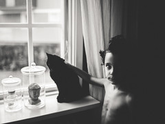 Emil and Fanny (Katta of Sweden) Tags: kattaofsweden katharinawestin myboy cat blackandwhite bw window light friendsforever family oldschool portrait