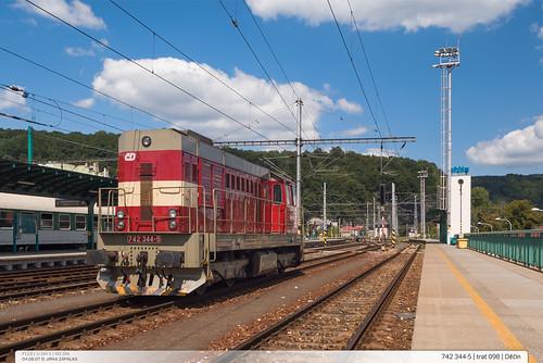 742.344-5 | trať 098 | Děčín