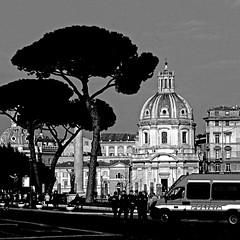Via dei Fori Imperiali, Roma (pom.angers) Tags: panasonicdmctz30 rome roma lazio italia italy police polizia europeanunion 100 february 2017 ancientrome 150