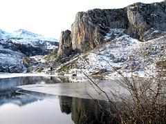 Lago Ercina, Cangas de Onís, Asturias, España. (PGARCIA.) Tags: lagoercina lagosdecovadonga picosdeeuropa cangasdeonís asturias españa naturaleza lagos tiempolibre agua montañas nieve cordilleras spain