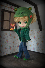 Frog (pe.kalina) Tags: doll dollhouse blythe handmade hat felted frog sweater green miniature
