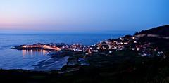 Entre luces (Jesus_l) Tags: españa atardecer mar europa pueblo galicia acoruña caión bergantiños alaracha jesúsl