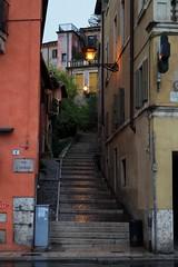 golden mean #Verona (Fanni Burony) Tags: city verona street stairs rainy streetlamp streetlight twilight nightfall twilit italy sony