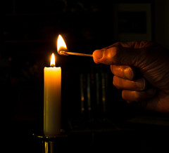 Candle & Match (Light Collector) Tags: light candle hand fingers flame match odc thingsthatcommonlygotogether