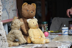 Nounours very vintage. (Dik) Tags: images archives dates sourire srie rencontres dtente motion tendres trouvailles circonstances dike indiffrentes