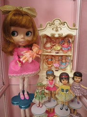 I need some dolly time! (Primrose Princess) Tags: pink vintage doll retro kawaii blythe redhair takara kewpie frenchprovincial dollcollection lounginglinda suzygoose vintagedollies dollydreamland blythekozykapebl5 vintagekewpiedolls