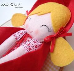 Smile, Ilaria ^_^ (Colori Preziosi) Tags: baby lace embroidery felt fabric feltro boneca cuori cuore pizzo bottoni botes bonequinha cappuccettorosso cuoricini quadretto bambolina feltdoll bastidor coccarda coccardanascita quadrinhobastidor capuzinhovermehio quadrettoaltelaio coloripreziosi feltroepannolenci