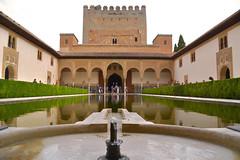 En el Patio de Comares (II) (Luis Sanz Dez) Tags: agua patio alhambra granada reflejo comares