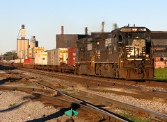 NS 8691 (GLC 392) Tags: morning ohio train early ns norfolk 9 double container southern dash oh ge stacks fostoria 8691 c409w 8961 c409 d940cw d940c