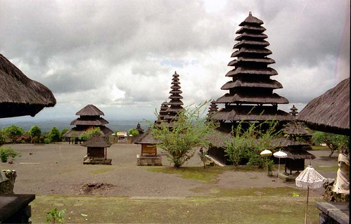 Besakih - Bali  - 1993(4)